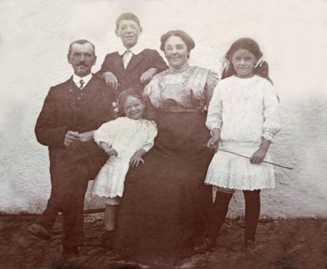 Family 1910s
