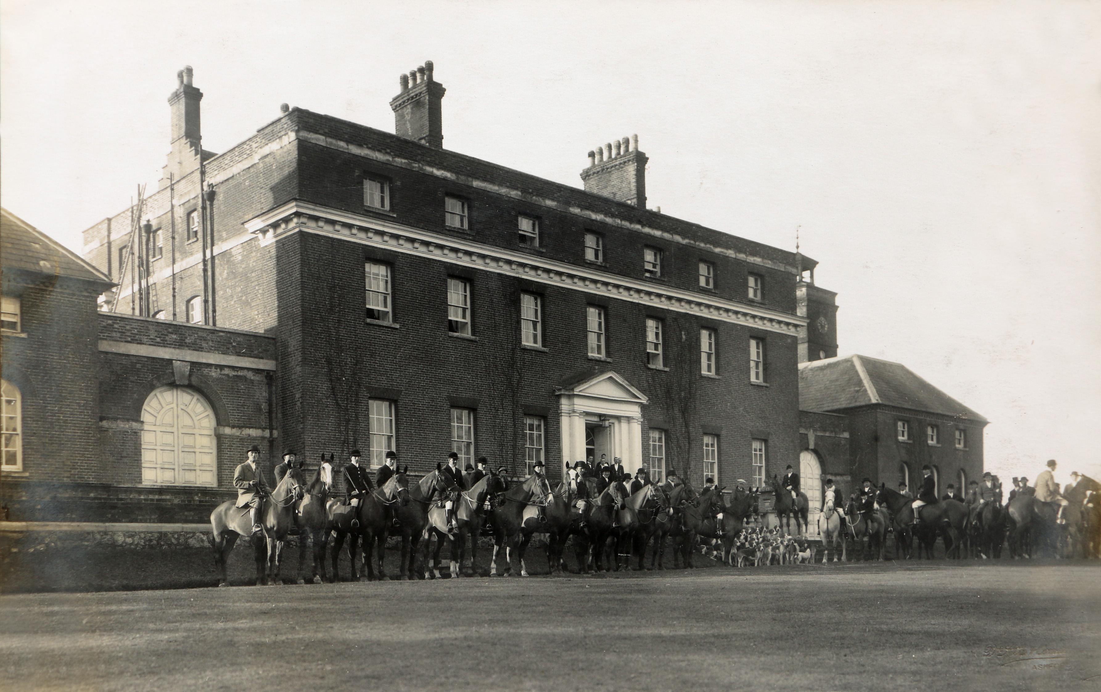 Calehill House, Little Chart, Kent Hunt
